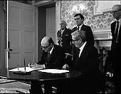 1987 - President Hillery Dissolves Dáil.  (R48).
