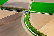 Nederland, Zeeland, Gemeente Terneuzen, 09-05-2013; omgeving Biervliet, kruising van polderwegen en polderdijken. Boven in beeld de Beukelpolder, onder de Paulinapolder. Zeekleipolders.<br /> Sea clay polders in the province of Zeeland<br /> luchtfoto (toeslag op standard tarieven)<br /> aerial photo (additional fee required)<br /> copyright foto/photo Siebe Swart
