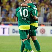 Bursaspor's Josue (L) and Balazs Dzsudszak (R) during their Turkish super league soccer match Fenerbahce between Bursaspor at the Sukru Saracaoglu stadium in Istanbul Turkey on Sunday 20 September 2015. Photo by Aykut AKICI/TURKPIX