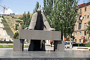 Armenia, Yerevan, Cafesjian Museum of Art and the Cascade. Statue of Alexander Tamanian, planner of modern Yerevan,