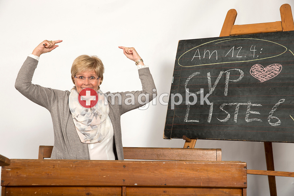 Gerda Koller -von Deschwanden, Kandidatin CVP Liste 6 des Kanton Zuerich, posiert fuer ein Foto in historischen Schulbaenken am 18. Maerz 2015 in Thalwil. (Photo by Patrick B. Kraemer / MAGICPBK)