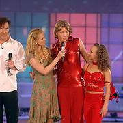 NLD/Hilversum/20070310 - 9e Live uitzending SBS Sterrendansen op het IJs 2007 de Uitslag, Thomas Berge en danspartner Nina Ulanova en Nance Coolen, Gerard Joling