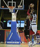 DESCRIZIONE : Lodi Lega A2 2009-10 Campionato UCC Casalpusterlengo - Riviera Solare RN<br /> GIOCATORE : Michael Cuffee vs Carlton Myers<br /> SQUADRA : UCC Casalpusterlengo<br /> EVENTO : Campionato Lega A2 2009-2010<br /> GARA : UCC Casalpusterlengo Riviera Solare RN<br /> DATA : 14/03/2010<br /> CATEGORIA : Tiro<br /> SPORT : Pallacanestro <br /> AUTORE : Agenzia Ciamillo-Castoria/D.Pescosolido
