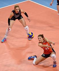 09-01-2016 TUR: European Olympic Qualification Tournament Rusland - Nederland, Ankara<br /> De strijd om Rio of Japan / Anne Buijs #11, Debby Stam-Pilon #16