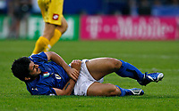 Photo: Glyn Thomas.<br />Italy v Ukraine. Quarter Finals, FIFA World Cup 2006. 30/06/2006.<br /> Italy's Gennaro Gattuso with an injury to his arm.
