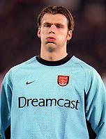 Stuart Taylor (Arsenal). Shakhtar Donetsk 3:0 Arsenal, UEFA Champions League, Group B, Centralny Stadium, Donetsk, Ukraine, 7/11/2000. Credit Colorsport / Stuart MacFarlane.