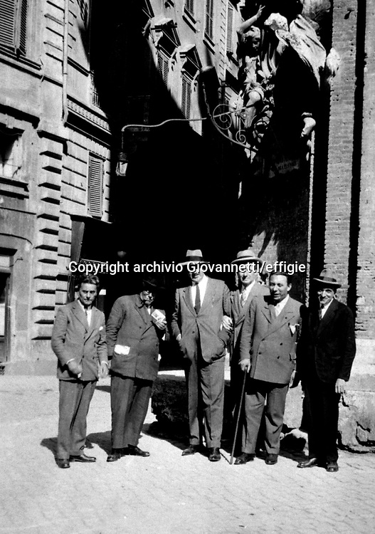 Massimo Bontempelli, Alfredo Panzini, Trilussa, xx, Arnoldo Mondadori, Mario Pelosini <br />archivio Giovannetti/effigie