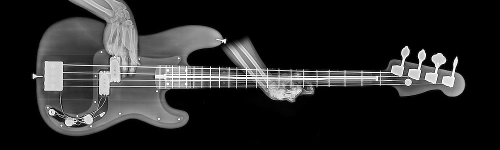 Base Guitar under x-ray