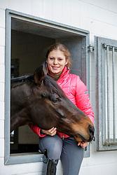 BECKS Jil Marielle mit Daley Thompson<br /> Senden - Homestory Jil Marielle Becks 2020<br /> © www.sportfotos-lafrentz.de/