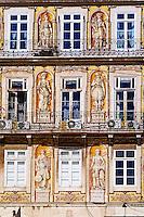 Portugal, Lisbonne, façade rua da Trindade dans le Bairro Alto // Portugal, Lisbon, front building in Trindade street in Bairro Alto