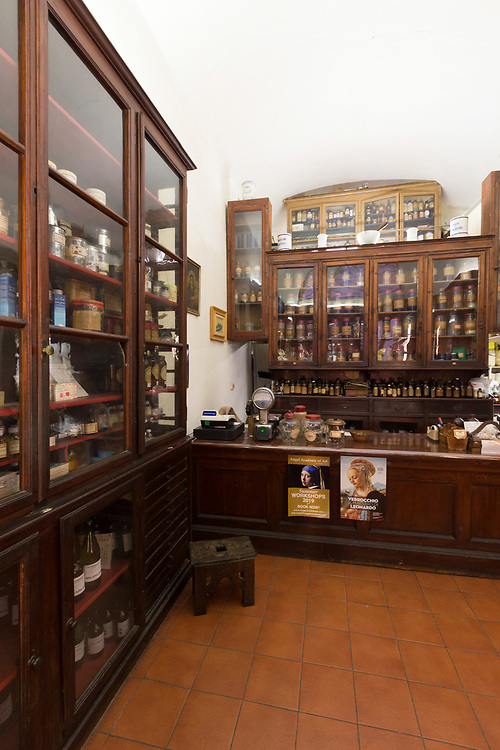 Florentine Apothecary Bizzarri in Florence, Italy. In 1842, Doctor Alessandro Bizzarri opened in the Piazza della Signoria a pharmacy, perfume shop, grocery, herbal remedies shop, and even sold products for agriculture.