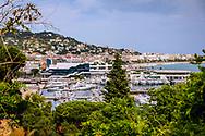 03-06-2018 Cote d'Azur: CANNES: UITZICHT VANUIT DE OUDE STAD OP DE HAVEN