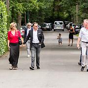 NLD/Bilthoven/20170706 - Uitvaart Ton de Leeuwe, ex partner Anita Meyer, Rene Froger en partner Natasja Kunst