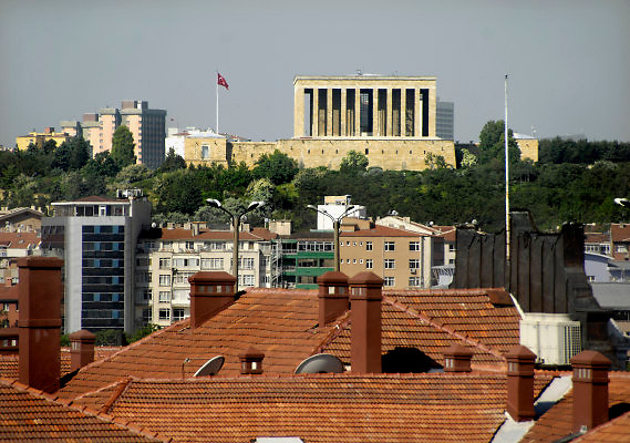 Turkije, Ankara, 6-6-2011Het mausoleum van Ataturk torent boven de stad uit.Foto: Flip Franssen