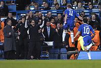 Photo: Alan Crowhurst, Digitalsport<br /> Chelsea v Barcelona, Champions League, 08/03/2005. Damien Duff celebrates his goal infront of Jose Mourinho