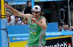 06-06-2010 VOLLEYBAL: JIBA GRAND SLAM BEACHVOLLEYBAL: AMSTERDAM<br /> In een koninklijke ambiance streden de nationale top, zowel de dames als de heren, om de eerste Grand Slam titel van het seizoen bij de Jiba Eredivisie Beach Volleyball - Emiel Boersma<br /> ©2010-WWW.FOTOHOOGENDOORN.NL