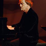 NLD/Utrecht/20060319 - Gala van het Nederlandse lied 2006, pianist Erik van der Wurf