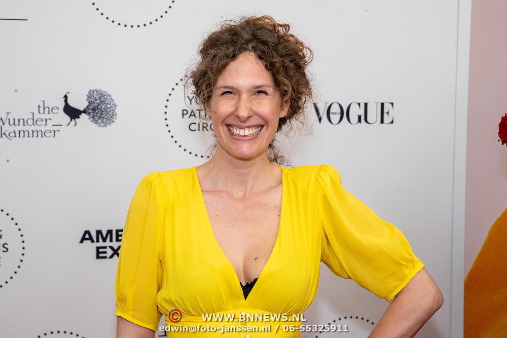 NLD/Amsterdam/20190628 - inloop International Young Patrons Gala 2019, opera zangeres Lotte de Beer