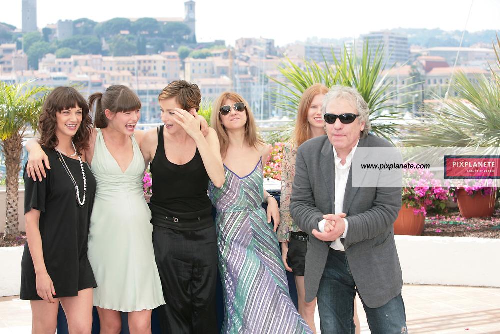 Stephania Rocca - Asia Argento - Abel Ferrara - Bianca Balti - - Festival de Cannes - Photocall Go go Tales - 23/05/2007 - JSB / PixPlanete