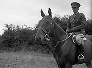 "22/07/1952<br /> 07/22/1952<br /> 22 July 1952<br /> Army Equitation School, McKee Barracks, Cabra, Dublin. Captain Kevin Barry on ""Ballyneety""."