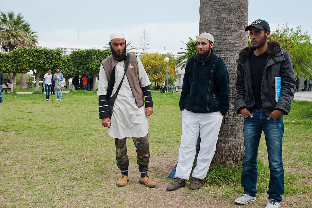 Salafi Students in the Mannouba University, Tunis. <br /> <br /> Etudiants salafistes dans université Mannouba, Tunis