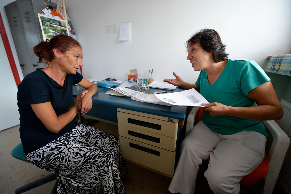 Ljatife Sikovska (right) is director of Ambrela, a grassroots Roma women's organization in Suto Orizari, the Macedonian municipality that is Europe's largest Roma settlement. Here she talks with Sali Zagorka about the woman's lack of sufficient legal documents, a common headache for Roma citizens of Macedonia..