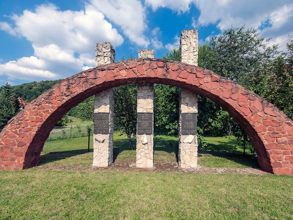 Pomnik Trzech Kultur, Kudowa-Zdrój, Polska<br /> Monument of Three Cultures, Kudowa-Zdroj, Poland