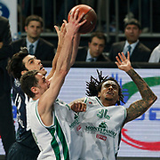 Efes Pilsen's Kerem GONLUM (L) and Montepaschi Siena's David MOSS (R) during their Turkish Airlines Euroleague Basketball Top 16 Group G Game 1 match Efes Pilsen between Montepaschi Siena at Sinan Erdem Arena in Istanbul, Turkey, Wednesday, January 19, 2011. Photo by TURKPIX