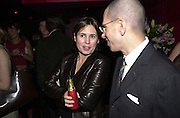 Alexandra Shulman and Jonathan Newhouse. Glamour magazine launch party. Red Cube. 6 March 2001. © Copyright Photograph by Dafydd Jones 66 Stockwell Park Rd. London SW9 0DA Tel 020 7733 0108 www.dafjones.com