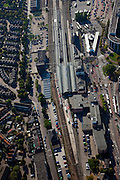 Nederland, Friesland, Leeuwarden, 08-09-2009; Treinstation Leeuwarden met overkappingen van het station en stationsgebied.Leeuwarden Train Station with roofs of the station area.Luchtfoto (toeslag); aerial photo (additional fee required); .foto Siebe Swart / photo Siebe Swart