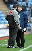 Photo: Ed Godden.<br />Coventry City v Sheffield Wednesday. Coca Cola Championship. 18/11/2006. Sheffield Wednesday Manager Brian Laws can't believe another of his players has been sent off.