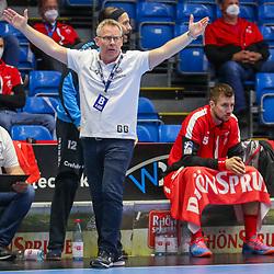 Handball, 31. Spieltag: MT Melsungen vs Die Eulen Ludwigshafen am 27.05.2021 in der Rothenbach-Halle in Kassel<br /> <br /> <br /> Trainer Gudmundur Gudmundsson (Melsungen) gestikuliert  beim Spiel in der Handball Bundesliga, MT Melsungen - Die Eulen Ludwigshafen.<br /> <br /> Foto © PIX-Sportfotos *** Foto ist honorarpflichtig! *** Auf Anfrage in hoeherer Qualitaet/Aufloesung. Belegexemplar erbeten. Veroeffentlichung ausschliesslich fuer journalistisch-publizistische Zwecke. For editorial use only.