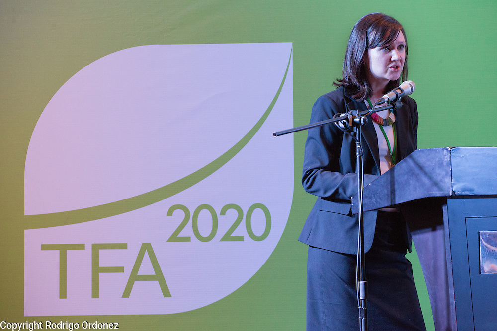 Emily Roynestad, Director of Business Development at Anthrotect, presents during a knowledge exchange session on the landscape approach at the General Assembly of the Tropical Forest Alliance 2020 in Jakarta, Indonesia, on March 11, 2016. Her presentation focused on community-driven carbon offsetting at the Chocó-Darién Conservation Corridor in Colombia. <br /> (Photo: Rodrigo Ordonez)