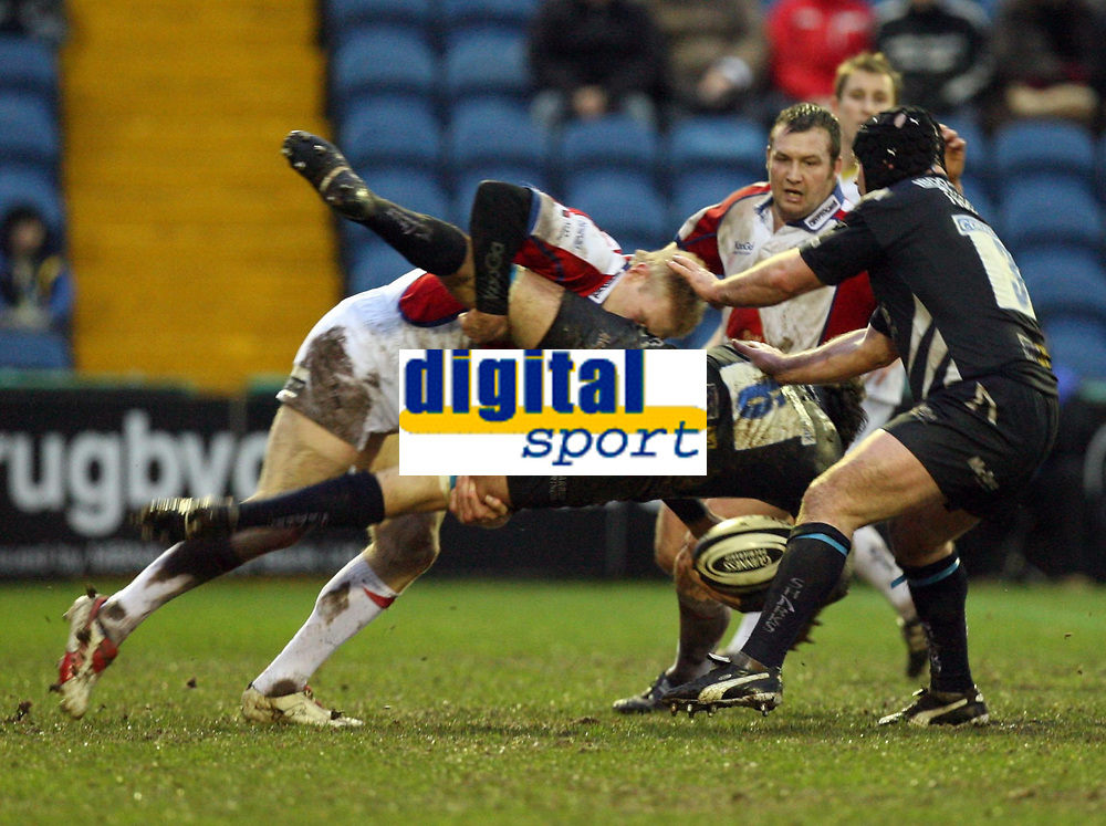 Photo: Rich Eaton.<br /> <br /> Sale Sharks v Bristol Rugby. Guinness Premiership. 01/01/2007. Lee Robinson left of Bristol tackles #6 JM Fernandez Lobbe of Sale