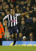 20/11/2004 - FA Barclays Premiership - Arsenal v  - West Bromich Albion - HIghbury Stadium, London<br />West Bromich Albion's Robert Earnshaw celebrates his equalizing goal<br />Photo:Jed Leicester/Back Page Images