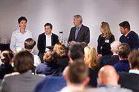DEN HAAG - Rogier Hoorn (l) Paul van Ass, Joop Alberda, Afke van de Wouw en Max Caldas. KNHB Technisch Kader Congres ' Coach the game' bij EY in Den Haag. FOTO KOEN SUYK