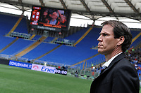 Rudi Garcia e sullo sfondo la curva sud vuota per squalifica dopo gli striscioni contro la madre di Ciro Esposito. Rudi Garcia and the empy stands of curva sud after a disqualification for offensive banner  <br /> Roma 19-04-2015 Stadio Olimpico, Football Calcio Campionato Italiano Serie A AS Roma - Atalanta Foto Andrea Staccioli / Insidefoto