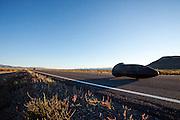 Teagan Patterson in de Seiran. In Battle Mountain (Nevada) wordt ieder jaar de World Human Powered Speed Challenge gehouden. Tijdens deze wedstrijd wordt geprobeerd zo hard mogelijk te fietsen op pure menskracht. Ze halen snelheden tot 133 km/h. De deelnemers bestaan zowel uit teams van universiteiten als uit hobbyisten. Met de gestroomlijnde fietsen willen ze laten zien wat mogelijk is met menskracht. De speciale ligfietsen kunnen gezien worden als de Formule 1 van het fietsen. De kennis die wordt opgedaan wordt ook gebruikt om duurzaam vervoer verder te ontwikkelen.<br /> <br /> In Battle Mountain (Nevada) each year the World Human Powered Speed Challenge is held. During this race they try to ride on pure manpower as hard as possible. Speeds up to 133 km/h are reached. The participants consist of both teams from universities and from hobbyists. With the sleek bikes they want to show what is possible with human power. The special recumbent bicycles can be seen as the Formula 1 of the bicycle. The knowledge gained is also used to develop sustainable transport.