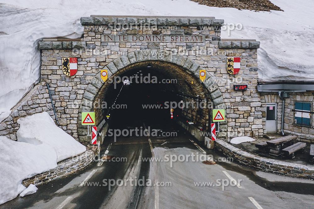 THEMENBILD - das Hochtor auf der Kärntner Seite . Die Hochalpenstrasse verbindet die beiden Bundeslaender Salzburg und Kaernten und ist als Erlebnisstrasse vorrangig von touristischer Bedeutung, aufgenommen am11. Juni 2020 in Heiligenblut, Österreich // the Hochtor on the Carinthian side. The High Alpine Road connects the two provinces of Salzburg and Carinthia and is as an adventure road priority of tourist interest, Heiligenblut, Austria on 2020/06/11. EXPA Pictures © 2020, PhotoCredit: EXPA/ JFK