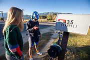 Het team traint in Greenville, Californië, als voorbereiding op de wedstrijden. Het Human Power Team Delft en Amsterdam, dat bestaat uit studenten van de TU Delft en de VU Amsterdam, is in Amerika om tijdens de World Human Powered Speed Challenge in Nevada een poging te doen het wereldrecord snelfietsen voor vrouwen te verbreken met de VeloX 9, een gestroomlijnde ligfiets. Het record is met 121,81 km/h sinds 2010 in handen van de Francaise Barbara Buatois. De Canadees Todd Reichert is de snelste man met 144,17 km/h sinds 2016.<br /> <br /> With the VeloX 9, a special recumbent bike, the Human Power Team Delft and Amsterdam, consisting of students of the TU Delft and the VU Amsterdam, wants to set a new woman's world record cycling in September at the World Human Powered Speed Challenge in Nevada. The current speed record is 121,81 km/h, set in 2010 by Barbara Buatois. The fastest man is Todd Reichert with 144,17 km/h.