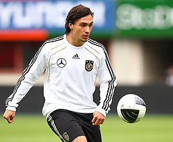 02.06.2011, Ernst Happel Stadion, Wien, AUT, UEFA EURO 2012, Qualifikation, Abschlusstraining Deutschland (GER), im Bild Mats Hummels, (GER) // during the final training from Germany for the UEFA Euro 2012 Qualifier Game, Austria vs Germany, at Ernst Happel Stadium, Vienna, 2010-06-02, EXPA Pictures © 2011, PhotoCredit: EXPA/ T. Haumer