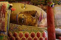Chine, Province du Gansu, Zhangye, temple du Grand Bouddha, Bouddha couché de 35m de long // China, Gansu Province, Zhangye, the Great Buddha temple, 35 m long sleeping Buddha