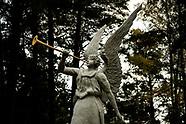 Unikatowy cmentarz parafialny w Wasilkowie na Podlasiu