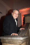 SIR NORMAN ROSENTHAL, Dinner and a performance and film screening from Carnet de and Mike Figgis (who has created a film especially for the event)  to celebrate David Tang and to mark the start of construction of the RA's £50 million redevelopment project.  Royal Academy. Piccadilly. London. 26 October 2015.