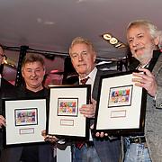 NLD/Hilversum/20150102 - Top40 viert 50 jarig bestaan,Andre van Duin, Jan Keizer en Arnold Muhren preseren top 40 postzegels