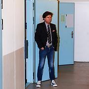 NLD/Vught/20130326 - Buch in de Bajes II, presentator Menno Buch
