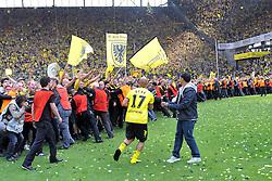 14.05.2011, Signal Iduna Park, Dortmund, GER, 1.FBL, Borussia Dortmund vs Eintracht Frankfurt, im Bild Dede (Dortmund #17) vor den Fans //  during the German 1.Liga Football Match,  Borussia Dortmund vs Eintracht Frankfurt, at the Signal Iduna Park, Dortmund, 14/05/2011 . EXPA Pictures © 2011, PhotoCredit: EXPA/ nph/  Conny Kurth       ****** out of GER / SWE / CRO  / BEL ******