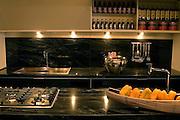 Belo Horizonte_MG, Brasil...Detalhe dos moveis de uma cozinha de luxo...Detail of a furnitures of a luxury kitchen...Foto: BRUNO MAGALHAES / NITRO