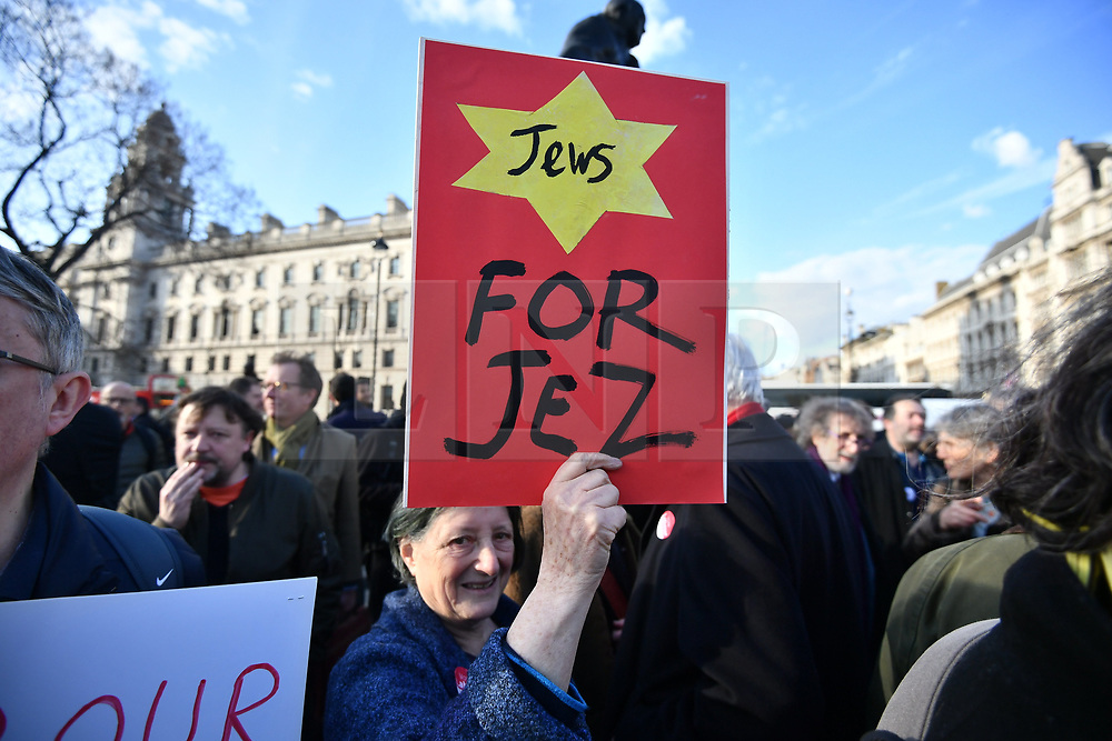 © Licensed to London News Pictures. 26/03/2018. London, UK. Members of the Jewish community, Jewish leaders and supporters hold a demonstration outside the Houses of Parliament in London against Jeremy Corbyn, who they are accuse of not acting on anti-semitic behaviour in the Labour Party. Photo credit: Ben Cawthra/LNP