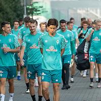 16.09.2020, Trainingsgelaende am wohninvest WESERSTADION - Platz 12, Bremen, GER, 1.FBL, Werder Bremen Training<br /> <br /> Spieler kommen zum Training<br /> Jean Manuel Mbom (Werder Bremen 34)<br /> Christian Groß / Gross (Werder Bremen #36)<br /> Yuya Osako (Werder Bremen #08)<br /> <br /> <br /> <br /> Foto © nordphoto / Kokenge